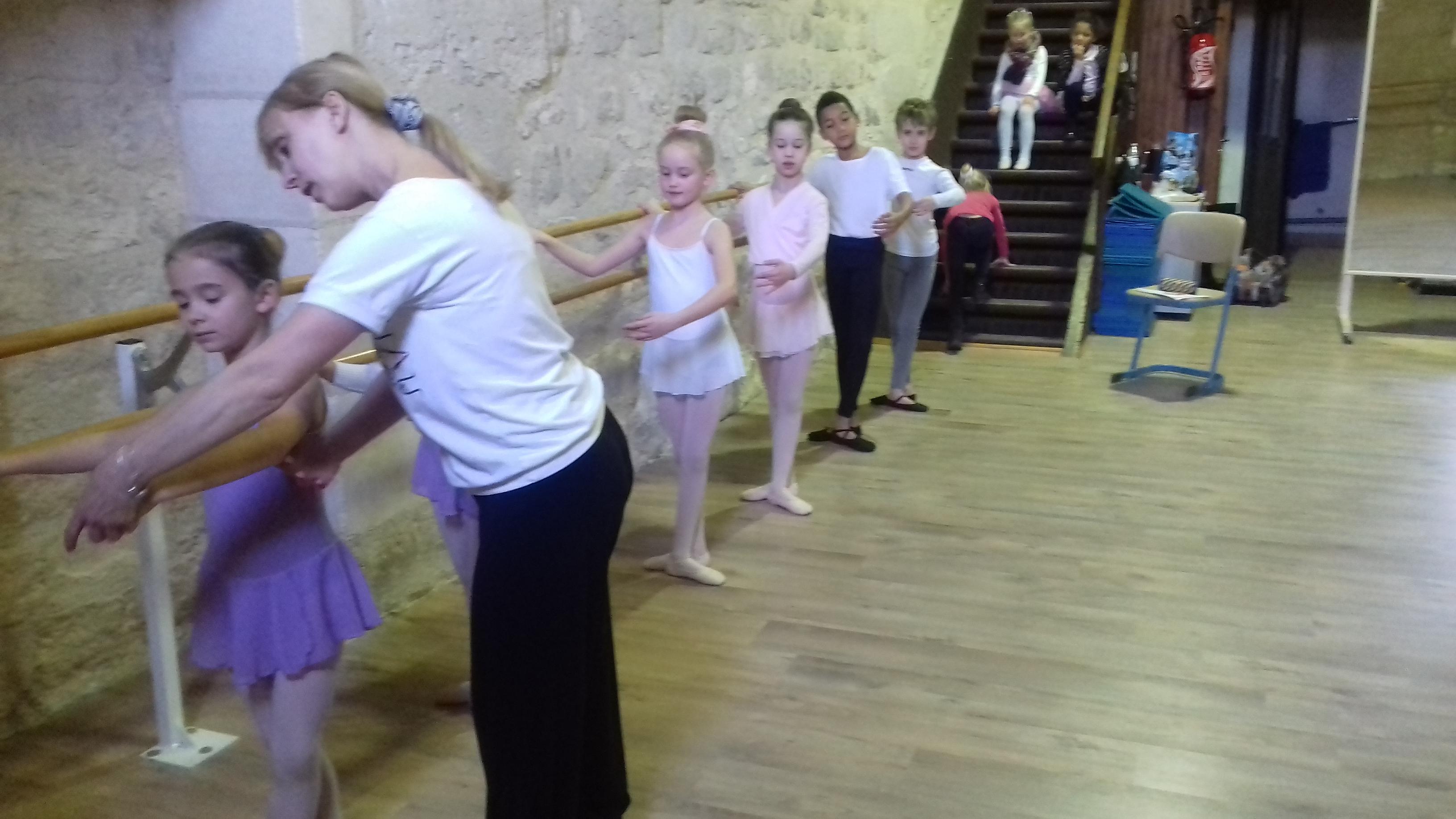 Protection du Genou pour la Danse Yoga Anti-Glisse Protection Respirante 2pcs genouill/ère Classicoco Genouill/ère Yoga Danse /épaissie Sport Ballet